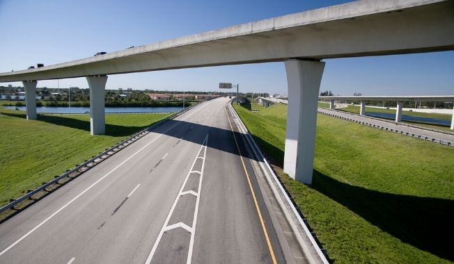 RS&H's Jim Hullett featured in Roads & Bridges podcast talking about transportation operations during COVID-19